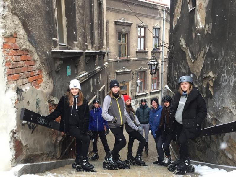 Team Powerslide Polska podczas zimowych jazd terenowych na rolkach