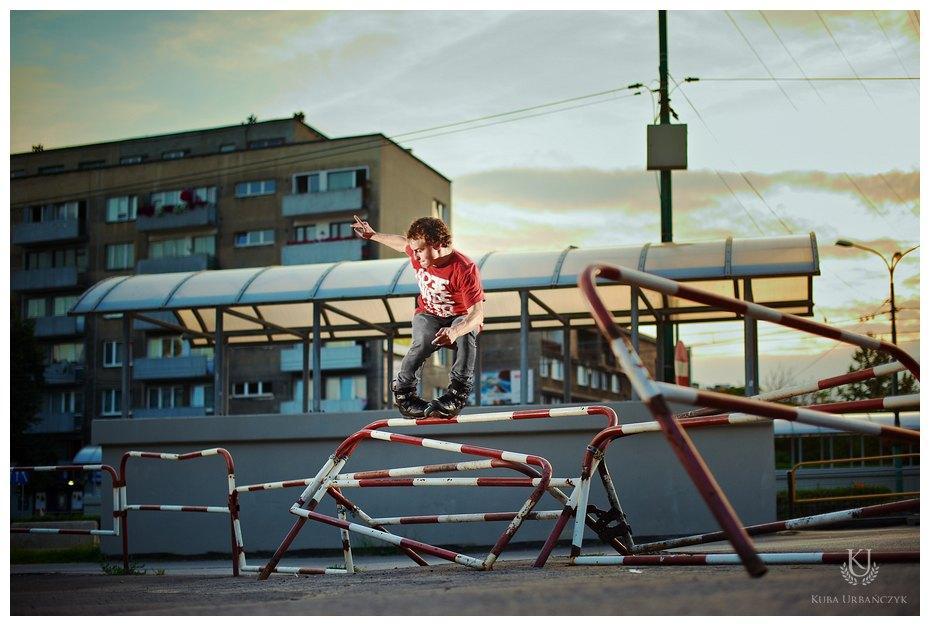 Nauka skoku 360 ze schodów - film